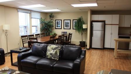 Lynx Lounge, Employee Lounge